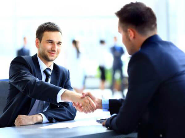 5 Reasons to Use a Legal Recruiter