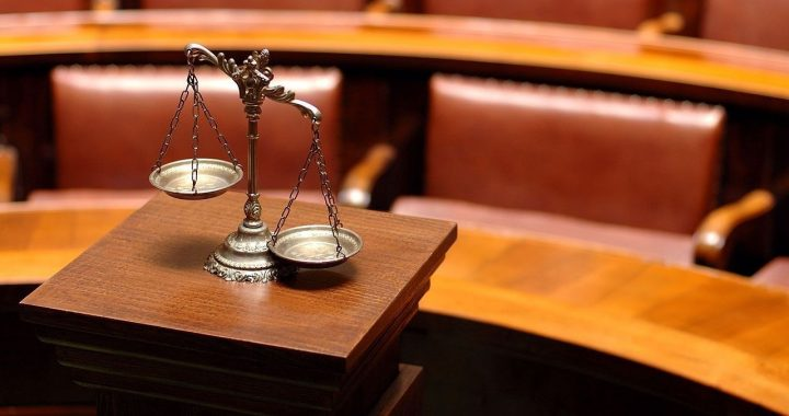 Tips to choose a trust and litigation lawyer